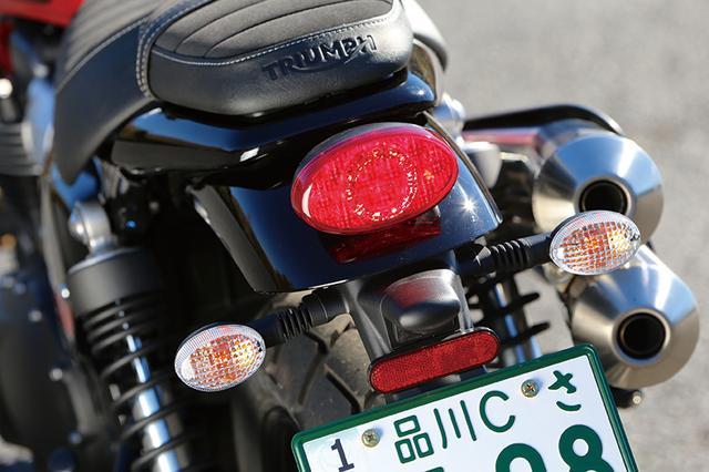 画像: LEDテールランプはシリーズ共通のデザイン。リアのマッドガードはイメージに合わせて小型化されている。