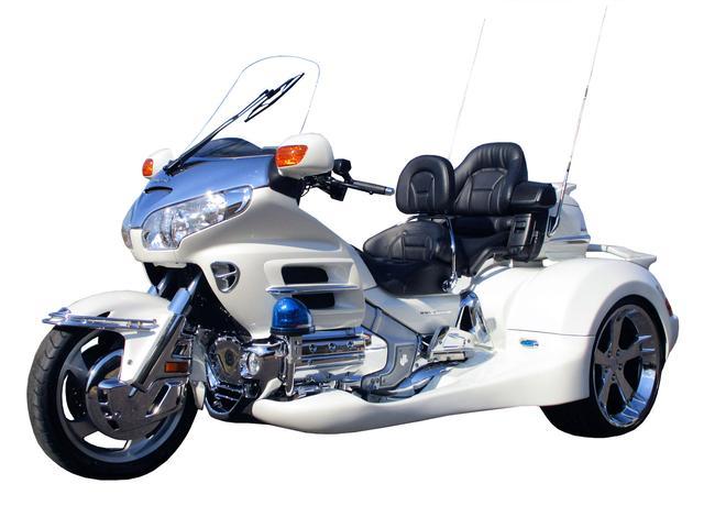 画像: GL1800トライク インデペンデントサスペンション
