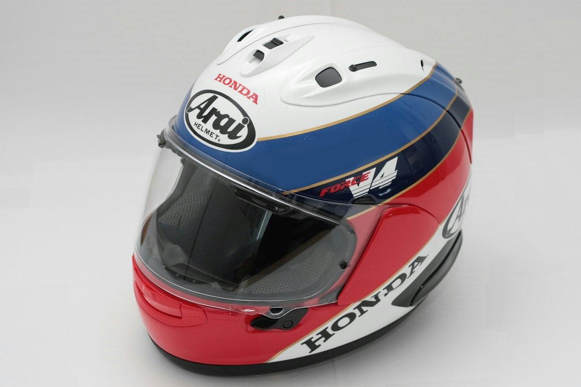 画像: RC30カラーをヘルメットに再現。