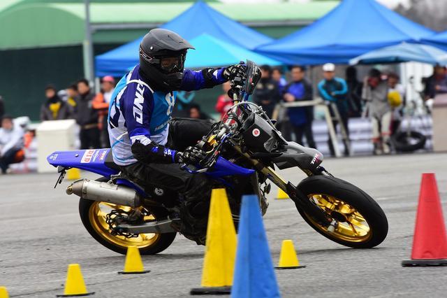 画像3: 曇のち雨、2017年開幕戦は大波乱! オートバイ杯ジムカーナ第1戦
