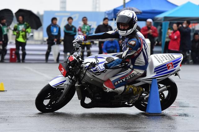 画像7: 曇のち雨、2017年開幕戦は大波乱! オートバイ杯ジムカーナ第1戦