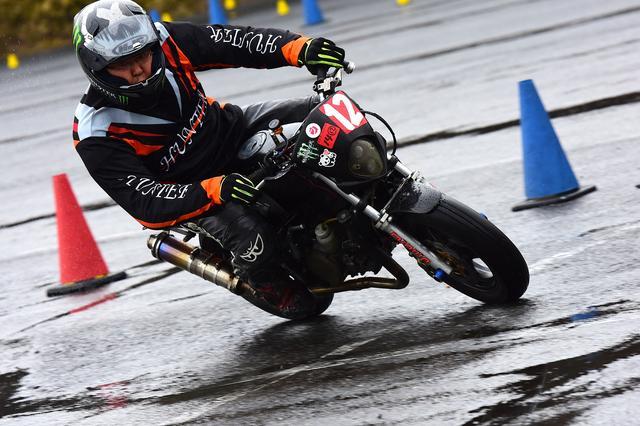 画像4: 曇のち雨、2017年開幕戦は大波乱! オートバイ杯ジムカーナ第1戦