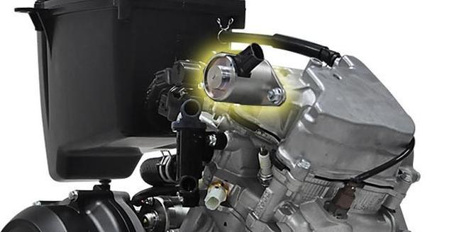 画像: 現行モデル比で排気量3%アップながら出力18.3%向上し、実用燃費4.7%向上を図ったVVA(可変バルブシステム[Variable Valve Actuation])搭載の水冷155cm3エンジン。