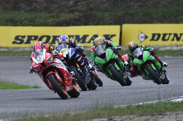 画像: SS600開幕戦レース2で勝ち切った#23羽田タイガ 現地ではTigerHADAと表記されています^^