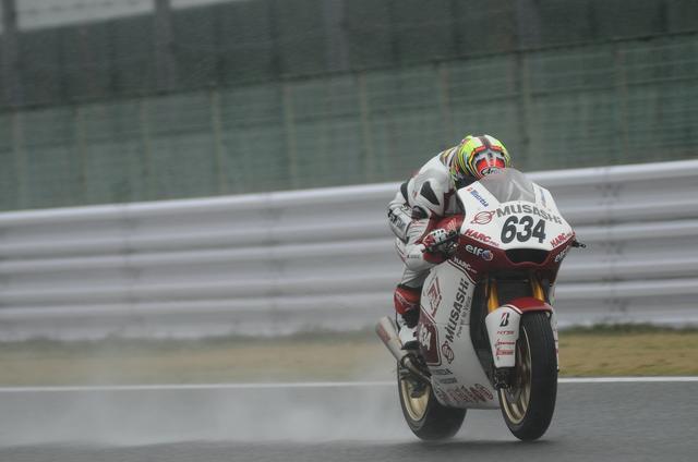 画像: レース2のポールは水野 雨、こんなに降ってました…