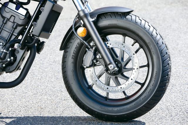 画像: タイヤは前後16インチでF130/90、R150/80。スポーツスターフォーティ−エイトと同サイズという所にカスタムの匂いがする。