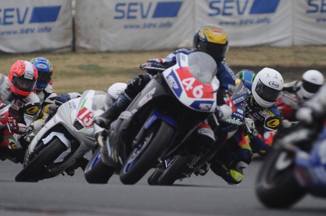画像: 予選始まってからずっとこんなw もう、レースなんだか予選なんだかワカリマセン