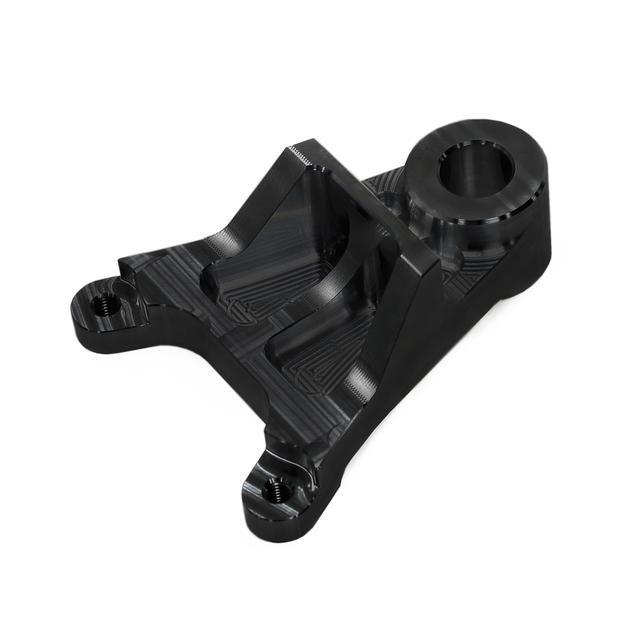 画像: brembo 2POTキャリパーに対応する、専用キャリパーサポートが付属し、カラーはシルバーとブラックから選択が可能。