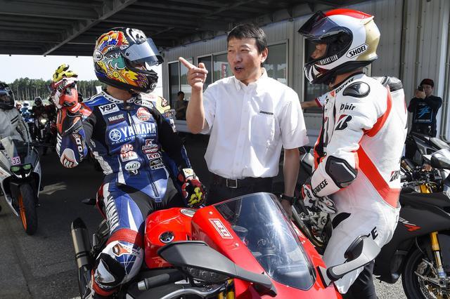画像: 先導走行やレベルに合わせたレクチャーをしてくれる豪華講師陣もBATTLAX FUN & RIDE MEETING ならではのポイント。左は全日本ロードレース・JSB1000クラスチャンピオンの中須賀 選手で、右は宮城光 氏。