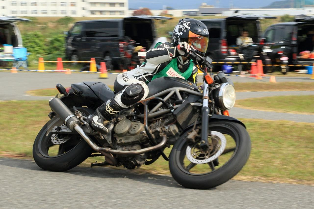 画像: VTR250では、ジムカーナを始めバイクの新たな楽しさを更に知ることが出来てます。このジムカーナを経験したことで、メインバイクの運転が以前よりもしやすくなりました!