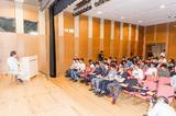 画像: 午前中は、本田技術研究所二輪R&Dセンター上席研究員の林さんによる、二輪車の開発に関する講和およびディスカッション。興味深い話に学生から質問も飛ぶ。