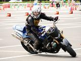 画像: NLの鈴木登紀子選手。GSX-R1000というビッグバイクを颯爽と操っていました。 前日の練習会で「あの人本当にNLなの?」と何人かに聞いたけど、本当にNLでした。(・o・`;)