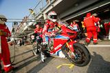 画像: 世界耐久の表彰台は実に久しぶり NewCBRを表彰台にあげたホンダエンデュランスです