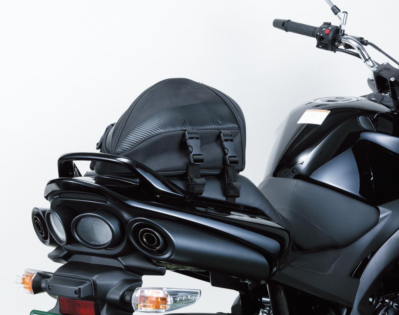画像: H型ベルトを使用することでリアシートへの着脱も容易に。