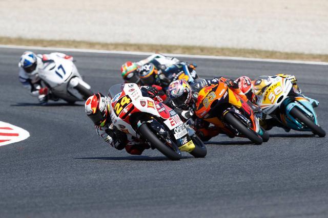 画像: 競り合いにも負けない鈴木 どっかでスパートする戦略、どっかで見られるかも