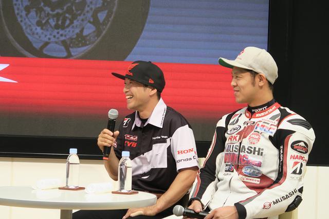 画像: 全日本選手権JSB1000クラスに参戦中の両選手。高橋選手は開幕から2連勝を飾り、第5戦が終わった時点のポイントランキング3位。自ら立ち上げたプラベーターチームで参戦中の山口選手はランキング13位となっている。