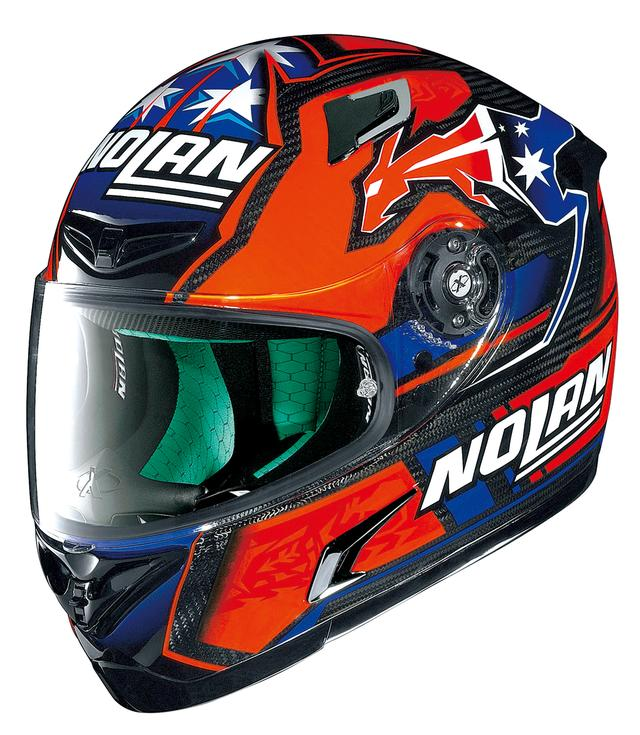 画像: Nolan ストーナー スズカ カーボン/17 8万4500円(税抜) MotoGPでの活躍が記憶に新しいケーシー・ストーナー氏のレプリカ。後頭部には現役時代のゼッケンである「27」が大きく描かれている。