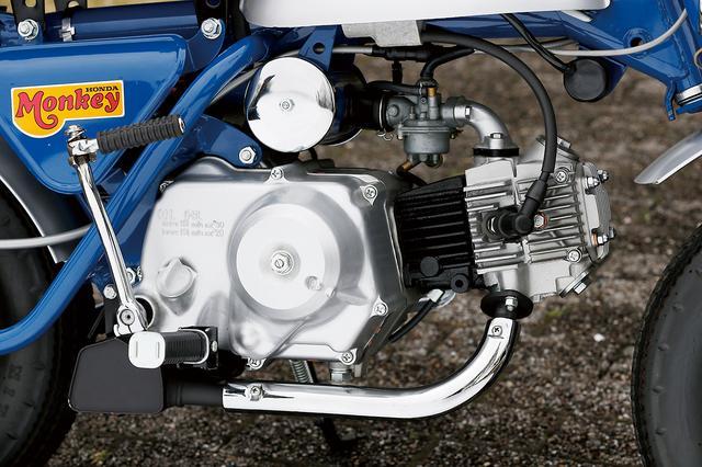 画像: スーパーカブC50ベースのOHC単気筒で、遠心クラッチ3速ミッションを装備するエンジンはZ50Mと基本的に同じ。吸排気系の改良により、Z50Mよりわずかにパワー アップした。