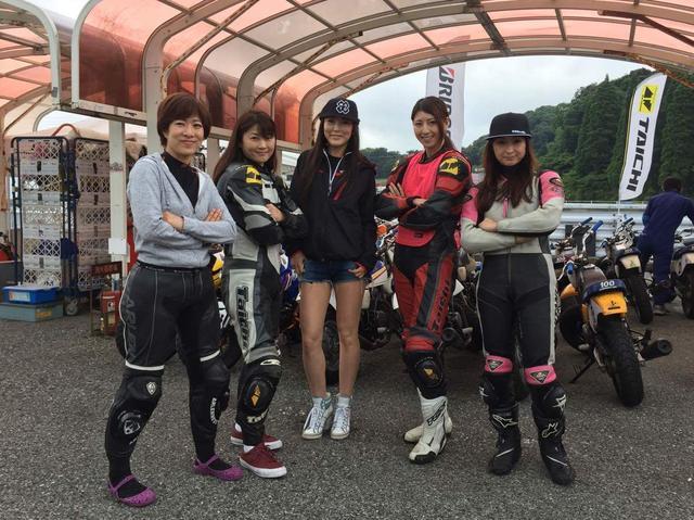 画像: 女性ライダーもいますよ! 今回が初レースにして初サーキット走行だった方も!