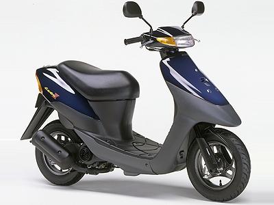 画像: ■SUZUKI Let's II 1996年5月発売 当時、9万9800円の価格と利便性に優れたスクーターとして人気を博したレッツⅡ。空冷2サイクル単気筒エンジンは6 . 8 P Sとパワフル。コンビニフックやメインキーに設けたシャッター機能など、同時にデビューしたレッツを上回る人気となりロングセラーモデルとして重宝された。