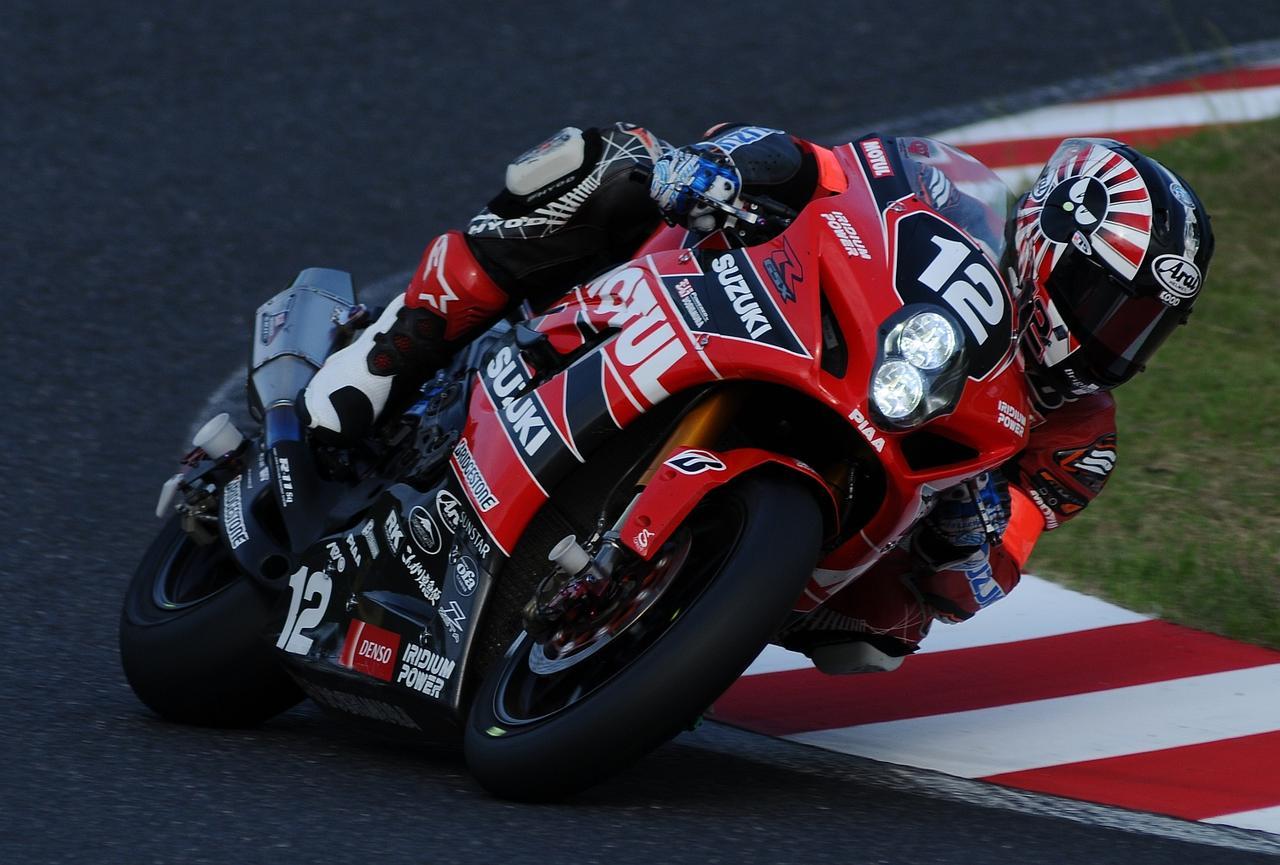 画像: ヨシムラは津田、ギュントーリ、ブルックスの順。ブルックスは8耐表彰台の経験者ですから、中古タイヤはブルックスかな。