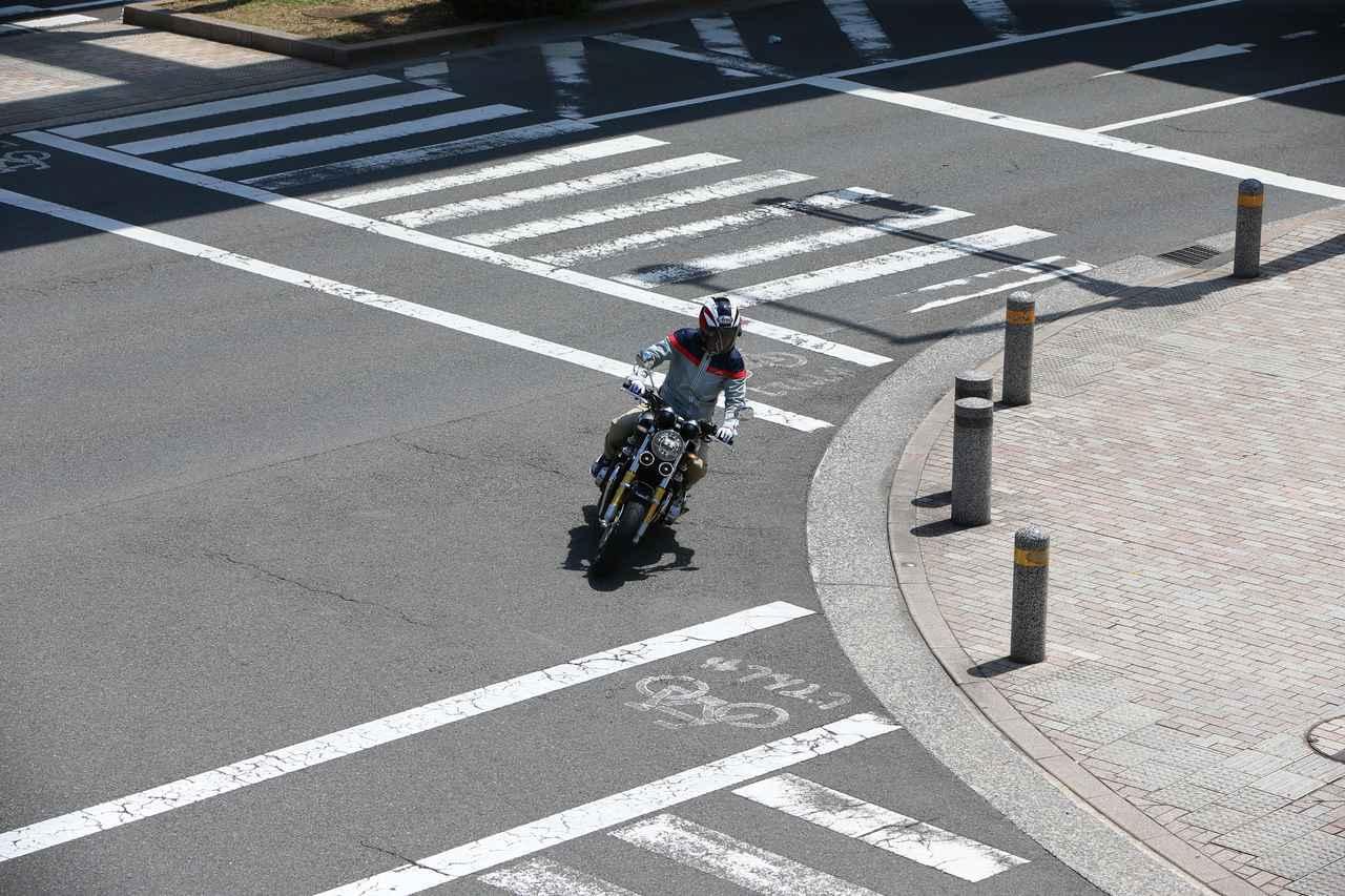 画像: ③交差点はどこを走るべき?