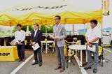 画像: ダンロップモーターサイクルコーポレーション・下方康司社長(右から2人目)、住友ゴム工業タイヤ国内リプレイス本部・橋口高志特命担当部長(左から2人目)