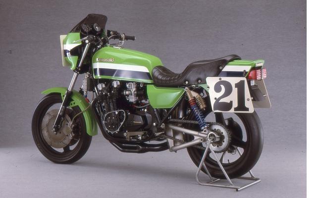 画像: KZ1000S1は1981年のAMAチャンピオンであるE・ローソンが駆ったワークスマシンの市販版というべき 市販レーサー。ホモロゲーション取得に必要な台数を僅かに上回る30台しか販売されなかった。