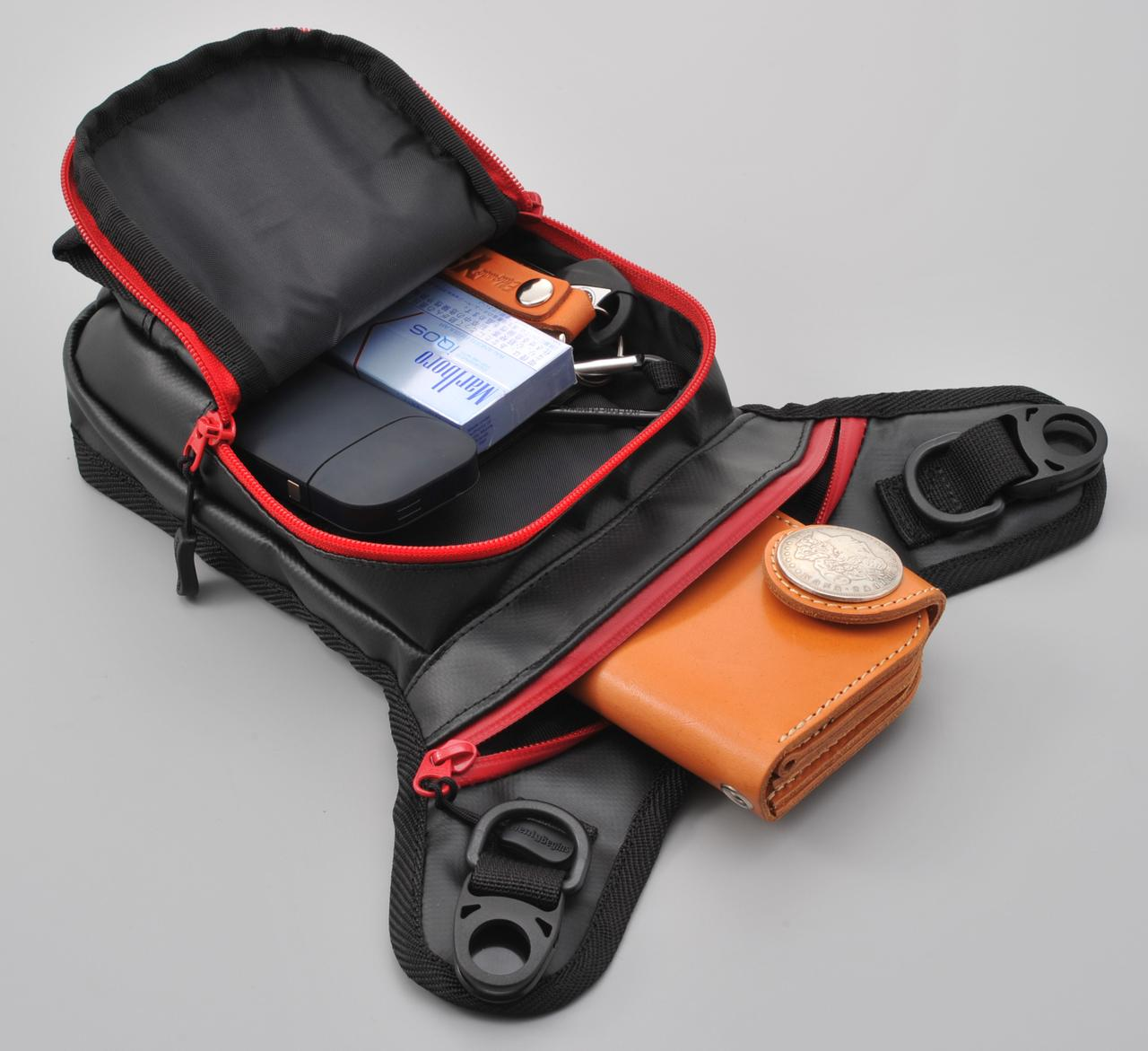 画像2: バッグの素材は、ウエアに合わせやすいポリエステルと、水に強いターポリンの2種類から選べる!