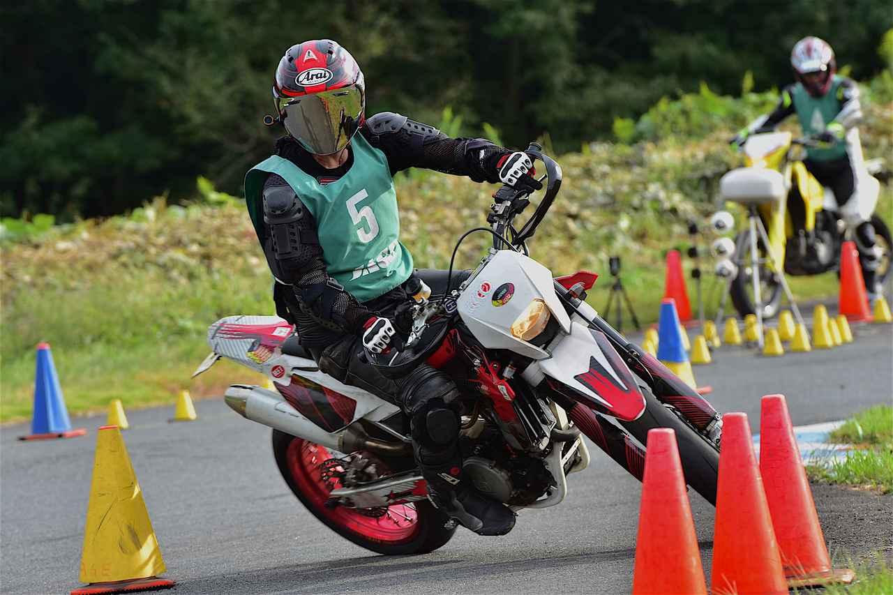 画像: C1級18位・三橋選手&SM450R 1分50秒175