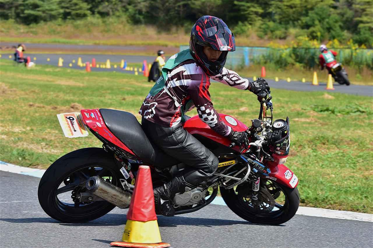 画像: C1級4位・藤澤選手&VTR250 1分47秒877