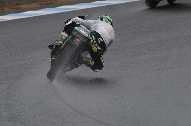 画像: 雨の走行が続いた日本GP 榎戸は「速いライダーとの差が詰まる」とチャンスと捉えました