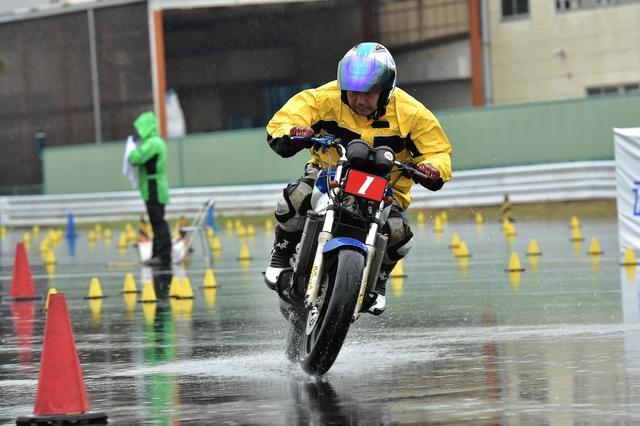 画像: A級・池田選手&NSR250R