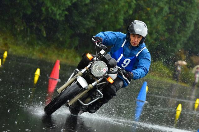 画像: 総合5位 B級・中川選手&VTR250