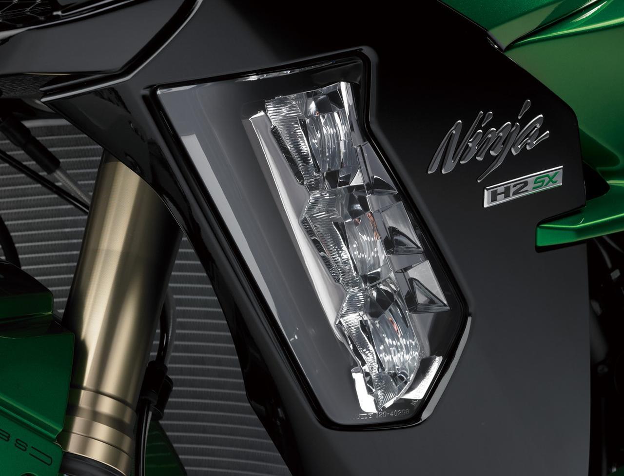 画像3: LEDコーナリングランプ、大型スクリーン、 クルーズコントロールなどツアラー機能も充実。