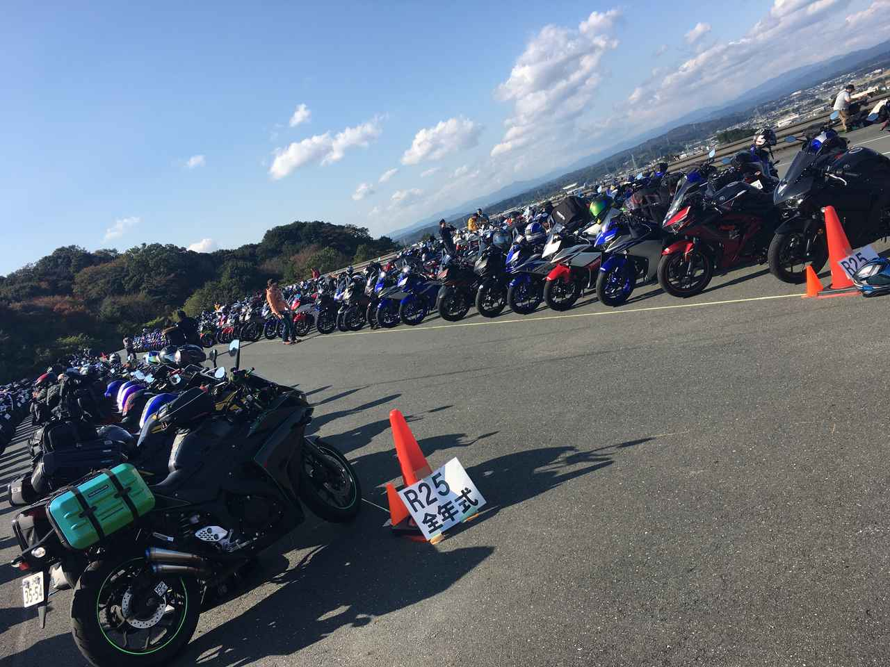 画像: YZF-R25 大型に負けないたくさんのカスタムをされたバイクがたくさんありました!!