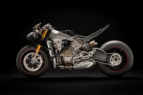 画像3: エンジンはなんと214PSを発揮、グレード構成は STD、S、スペチアーレの3機種をラインアップ