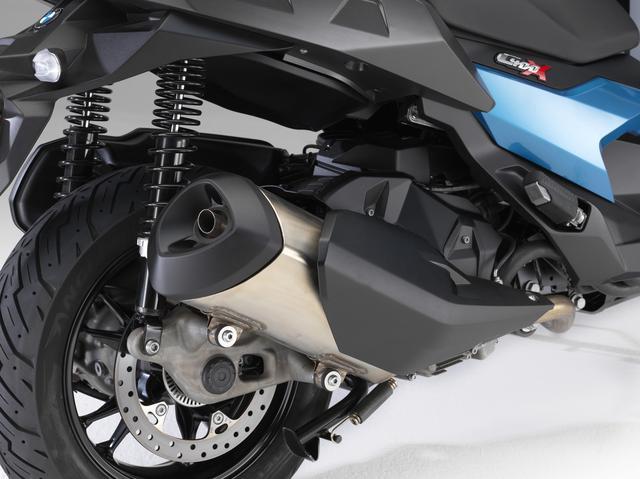 画像1: エンジンは34HPのOHC4バルブ、足回りもスポーティ