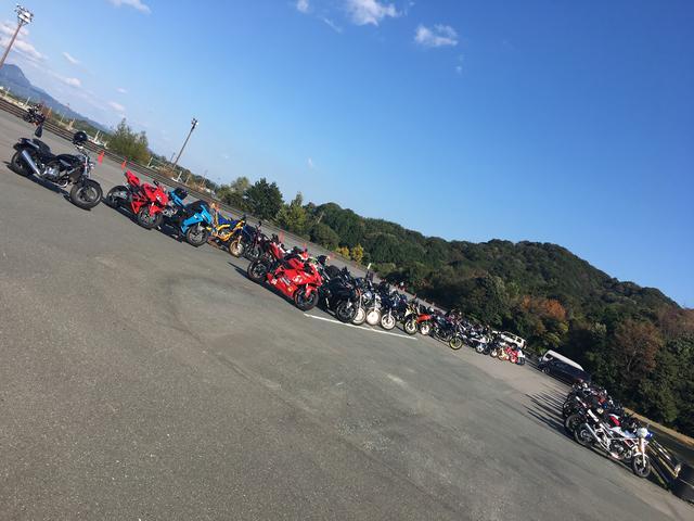 画像3: 11月4日(土)に静岡県袋井市の小笠山総合運動公園 エコパ第9駐車場で開催された、『YZF-R全国ミーティング』に参加してきました!