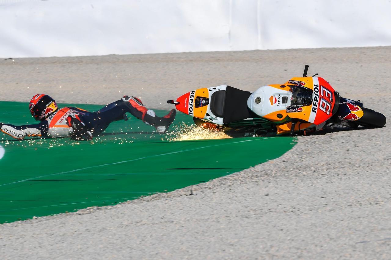 画像: 予選までは転ぶマルケス しかし、転倒だけは許されない最終戦でもやるかね、この男は…