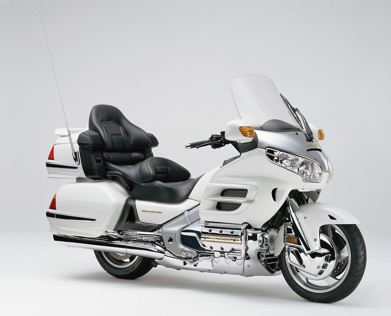 画像: アルミツインチューブフレームの1800ccになったのは01年からで、当初は700台の限定モデルとして登場。07年にはバイクで初めてのエアバッグ装着車を追加するなど、細かいマイナーチェンジを繰り返した。