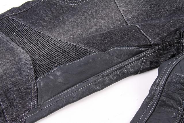画像: 太ももとふくらはぎには本革製ヒートガードを装備
