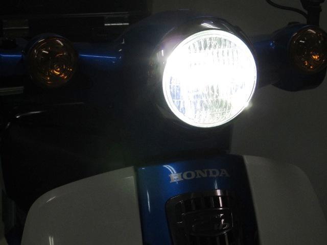 画像: LEDクラシカルヘッドライトkit 6000ケルビン いわゆるLEDの青白い色