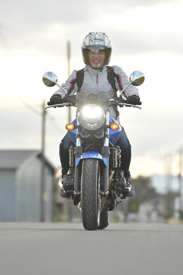 画像: 確かにCB400SFって、今のすべてのバイクの中でも「スタンダード」って感じがするかも。