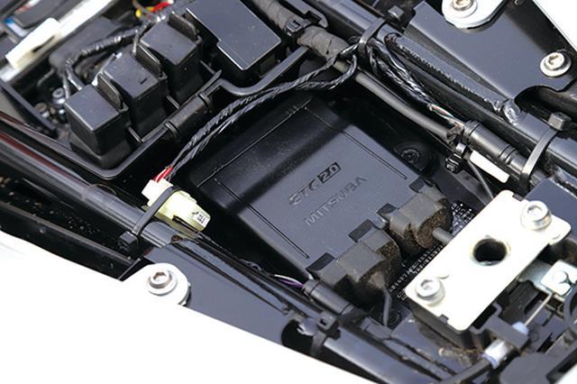 画像: ETC2.0を標準装備し、車載器はシート下にスマートに配置される。カードの抜き差しがしやすく、防犯面でも安心できる。