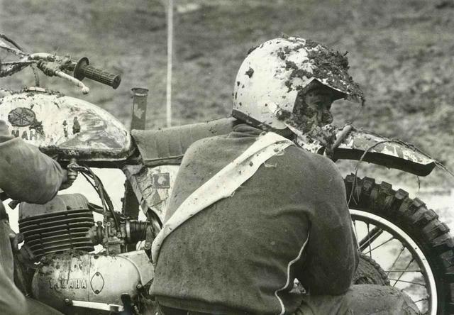画像: 1969年、ヤマハはYX 26をベースとした市販車トレールDT-1を発表。ワークスもこれをベースとしたマシンで全日本を闘う。忠さんはこの年、初の年間ランキングチャンピオンを獲得した。