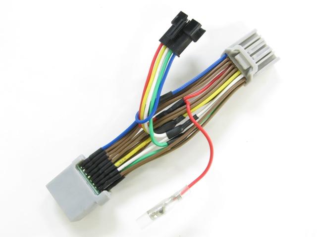 画像: ハーネスのみも.3000円(税別)で販売。別売のSPI-110と組み合わせて使用する