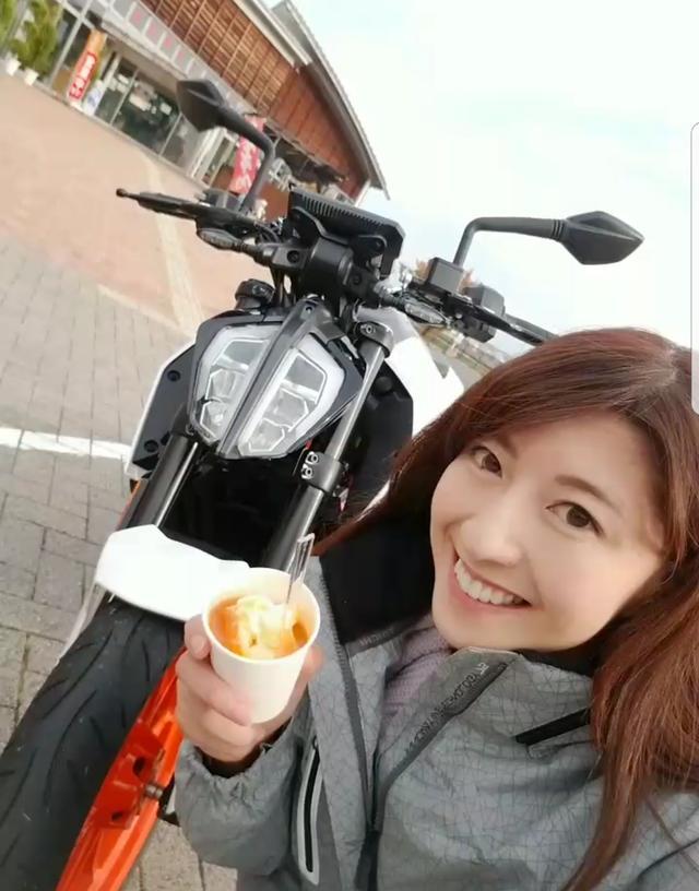 画像: 物産館で買える杏ソフトです!!