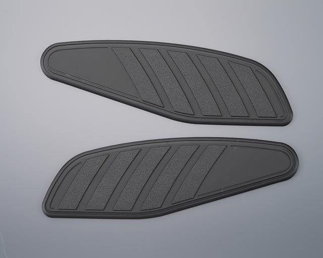 画像1: 雰囲気が格段にアップ! XSR700(B2G)タンクサイドパッド