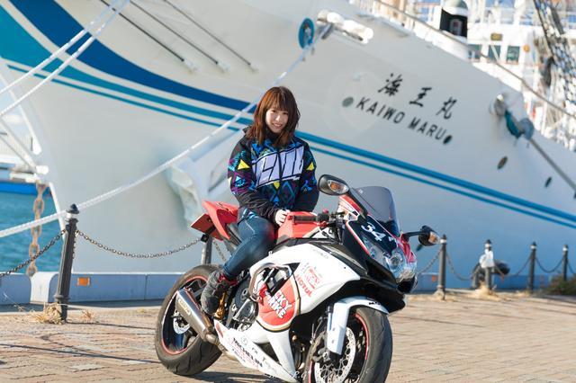 画像: 海王丸の前で!